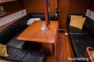 Beneteau Oceanis 34 3-cabin Photo 24