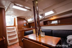 Beneteau Oceanis 34 3-cabin Photo 23