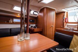 Beneteau Oceanis 34 3-cabin Photo 21
