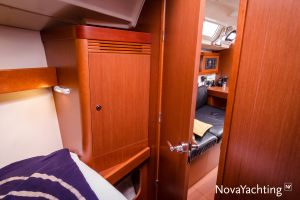 Beneteau Oceanis 34 3-cabin Photo 18