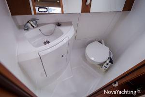 Beneteau Oceanis 34 3-cabin Photo 17