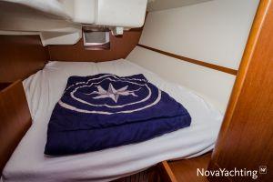 Beneteau Oceanis 34 3-cabin Photo 6
