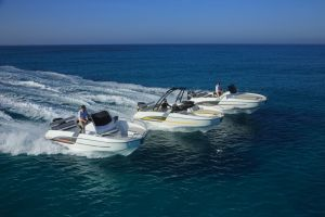 Beneteau Flyer 6.6 Outboard Photo 2