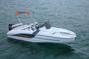Beneteau Flyer 6.6 Outboard Photo 6