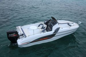 Beneteau Flyer 6.6 Outboard Photo 5