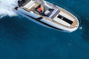 Beneteau Flyer 8.8 Outboard Photo 3