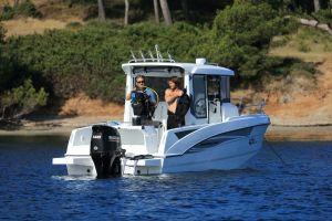 Beneteau Barracuda 6 Outboard Photo 3