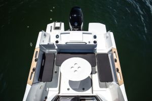 Beneteau Barracuda 7 Outboard Photo 6