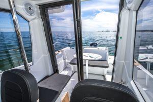 Beneteau Barracuda 7 Outboard Photo 9
