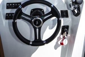 Beneteau Barracuda 7 Outboard Photo 7