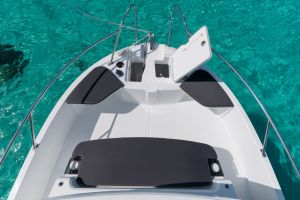 Beneteau Barracuda 8 Outboard Photo 4