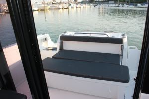Beneteau Barracuda 8 Outboard Photo 8