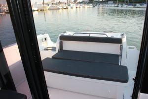Beneteau Barracuda 8 Outboard Photo 8