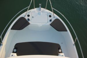 Beneteau Barracuda 8 Outboard Photo 5