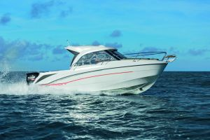 Beneteau Antares 7 Outboard Photo 1