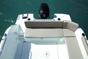 Beneteau Antares 8 Outboard Photo 3