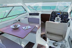 Beneteau Antares 8 Outboard Photo 8