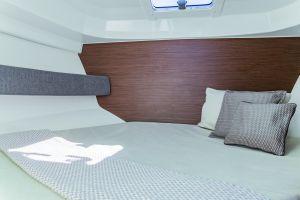 Beneteau Antares 8 Outboard Photo 14