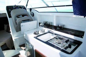 Beneteau Antares 8 Outboard Photo 11