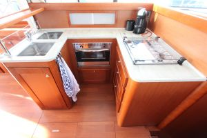 Beneteau Swift Trawler 44 Photo 10