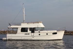 Beneteau Swift Trawler 44 Photo 1