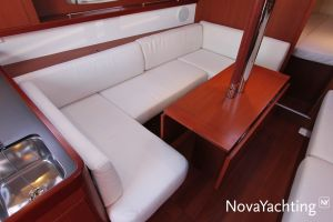 Beneteau Oceanis 34 Photo 19