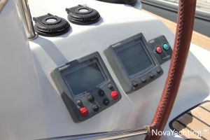 Beneteau Oceanis 43 3-cabin Photo 18