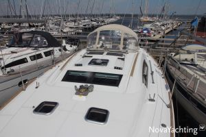 Beneteau Oceanis 43 3-cabin Photo 6