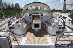 Beneteau Oceanis 43 3-cabin Photo 4