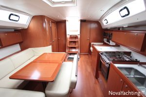 Beneteau Oceanis 43 3-cabin Photo 33