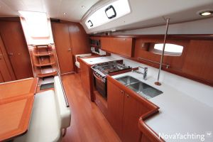 Beneteau Oceanis 43 3-cabin Photo 34