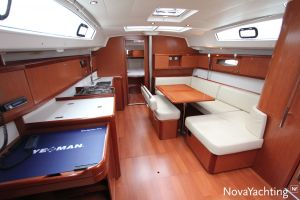 Beneteau Oceanis 43 3-cabin Photo 24