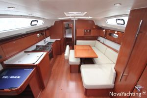 Beneteau Oceanis 43 3-cabin Photo 23