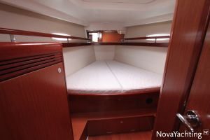 Beneteau Oceanis 43 3-cabin Photo 28