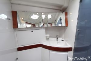 Beneteau Oceanis 43 3-cabin Photo 32