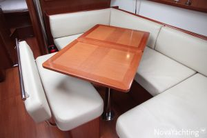 Beneteau Oceanis 43 3-cabin Photo 36