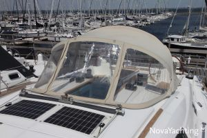 Beneteau Oceanis 43 3-cabin Photo 8
