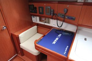 Beneteau Oceanis 43 3-cabin Photo 38