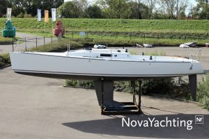J Boats J/100 Photo 6