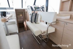 Beneteau Swift Trawler 41 Photo 10