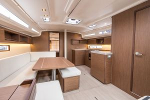 Beneteau Oceanis 40.1 FIRST LINE DEMO Photo 3