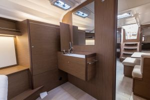 Beneteau Oceanis 40.1 FIRST LINE DEMO Photo 68