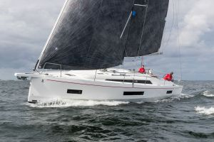 Beneteau Oceanis 40.1 FIRST LINE DEMO Photo 1