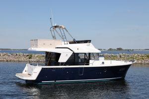 Beneteau Swift Trawler 35 Photo 6
