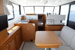 Beneteau Swift Trawler 35 Photo 2