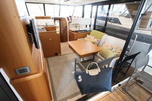 Beneteau Swift Trawler 35 Photo 5
