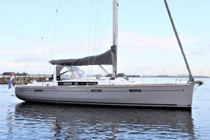 Beneteau Oceanis 45 Photo 6