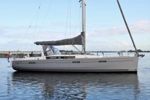 Beneteau Oceanis 45 Photo 16