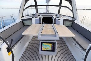 Beneteau Oceanis 45 Photo 2