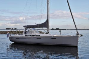 Beneteau Oceanis 45 Photo 26